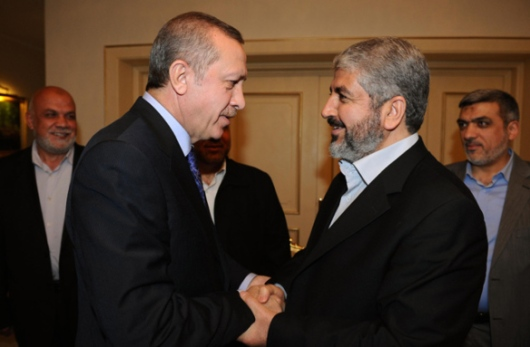 Turkish Prime Minister Recep Tayyip Erdoğan with Hamas leader Khaled Meshaal (Photo: © Reuters)